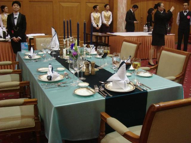 西餐宴会有哪些主题_西餐宴会摆台主题图片