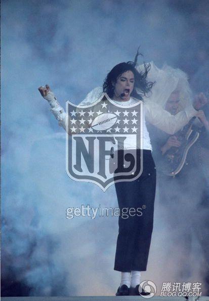 mj影视凋落的罂粟-细数流行乐之王迈克尔 杰克逊的体育情结 图 ,也是我心中的慈善之